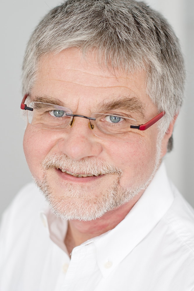 DR. A. STIER