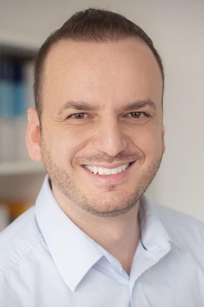 Dr. L. Bicaj